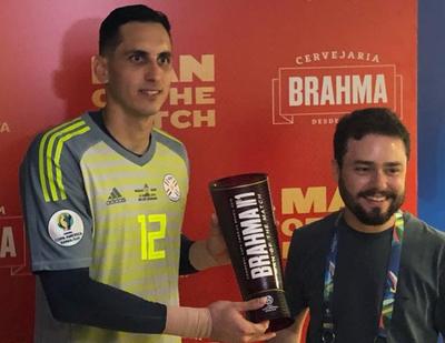Roberto Junior Fernández fue elegido el mejor jugador del partido
