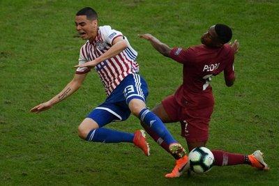 Paraguay empata en su debut