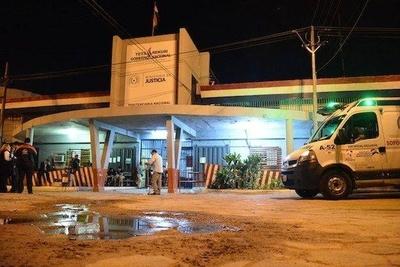 HOY / Continúan los disturbios en Tacumbú: hay dos internos heridos con arma blanca