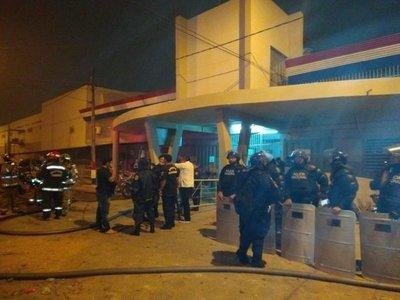 Controlan incendio en Tacumbú