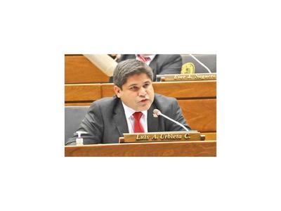 Escrachan al diputado  Luis Urbieta y este responde con insultos