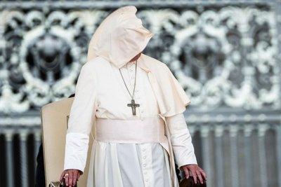 El Vaticano podría ordenar hombres casados y mujeres para la Amazonia