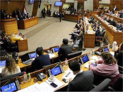 Diputado insta a la expulsión del país de criminales extranjeros