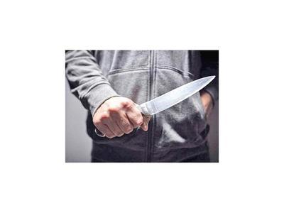 Buscan a hombre por asesinar de una puñalada a  padrastro