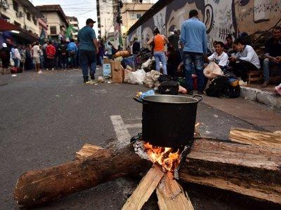 Campesinos buscan que el Gobierno cumpla acuerdo firmado en marzo
