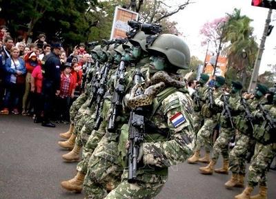 """HOY / Desean militarizar las cárceles y calles: """"Las FF.AA. están al pedo, solo sirven para desfiles"""""""