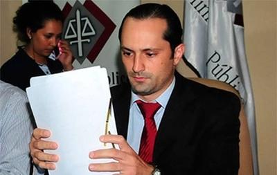 HOY / Tras destituirlo de fiscalía de  Curuguaty Corte cambia de postura y repone a Rachid