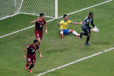 Venezuela consigue un valioso empate ante Brasil