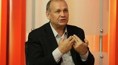 HOY / #AsuCasaFerreiro: funcionarios también piden la salida del intendente