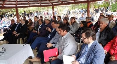 Audiencia pública da vía libre a instalación de cementera