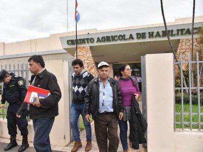 Campesinos anuncian que seguirán movilizados