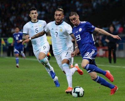 Paraguay empata con Argentina y mantiene intacta las chances de clasificar