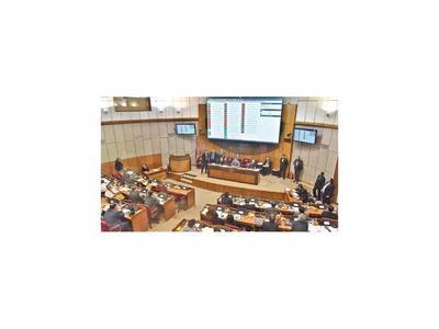 Senado aprueba versión oficial de la reforma fiscal e ignora a empresarios