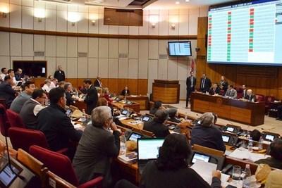 """Luis Villasanti: """"es injusto pagar más impuestos y no mejorar el gasto público"""""""