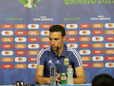 Lionel Scaloni admite que Argentina está muy complicada