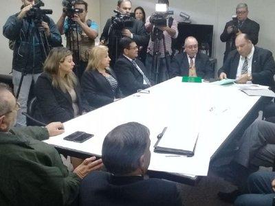 Ministros de la Corte verifican situación de presos de la cárcel de San Pedro