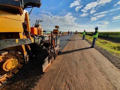 Comenzó asfalto en San Juan Nepomuceno