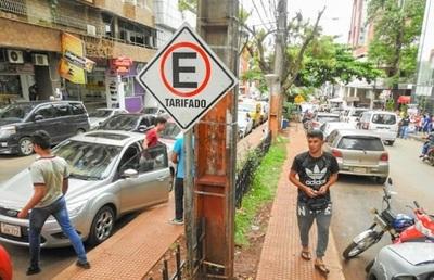 Proponen usar avances tecnológicos para controlar el estacionamiento en CDE
