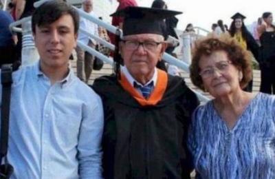 Hombre de 78 años hace realidad su sueño y se gradúa de ingeniero industrial