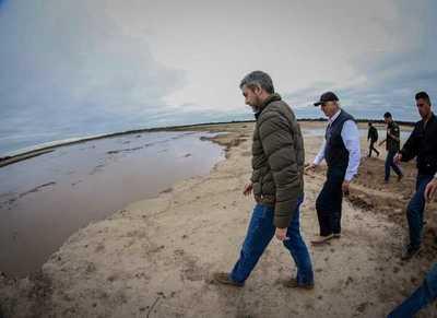 Autoridades verifican habilitación del Canal Meyer en embocadura del Pilcomayo
