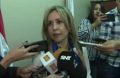 Imputarán a abogado por atar a su madre en Asunción.