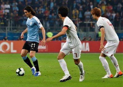 Uruguay cede ante Japón