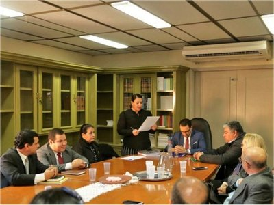 IPS no publica  quiénes forman  comité evaluador pese a ley
