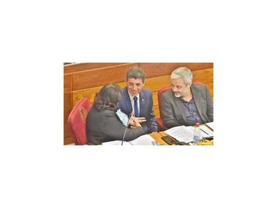 Rechazan propuesta de avalar aumentazos a medida del Ejecutivo