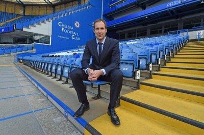 Cech vuelve al Chelsea como asesor