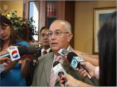 Fiscales piden juicio oral para ex ministro de la Corte Óscar Bajac