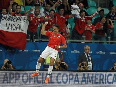 Alexis mete a Chile en cuartos y complica el futuro de Ecuador