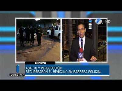 Policía recupera auto robado tras persecución
