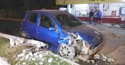 Travesti fue abandonado tras un accidente de auto