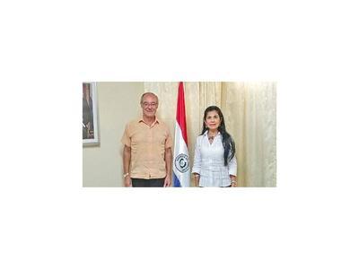 Premiada coreógrafa  visita Embajada paraguaya en Cuba