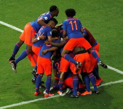 Colombia cambia casi todo el equipo