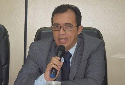 La misma defensa de Zacarías Irún admitió que era funcionario público