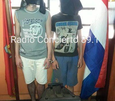 Detienen a dos jóvenes por robar un bafle en Presidente Franco