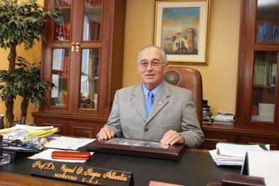 Fiscalía acusa al exministro Óscar Bajac y piden juicio en su contra