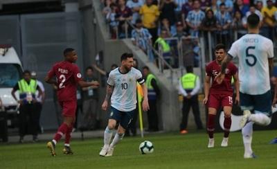 Argentina gana y clasifica a cuartos