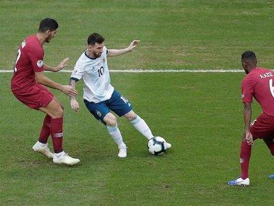 """Messi: """"Todas las canchas donde jugamos son muy malas"""""""