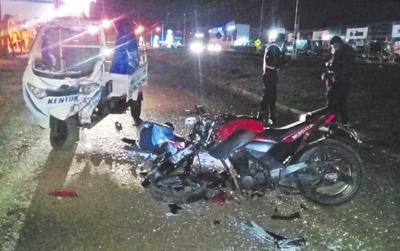 Joven motociclista sufre graves lesiones en choque