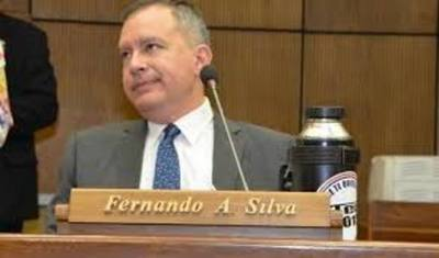 Exigen destitución de Silva Facetti del JEM por mal uso de influencias