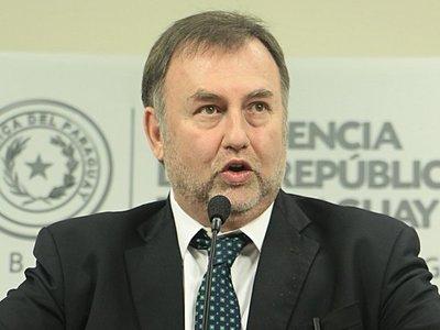 Benigno López pidió que dejen de complicar a su esposa