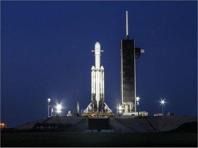 SpaceX lanza al espacio 24 satélites del Pentágono y NASA