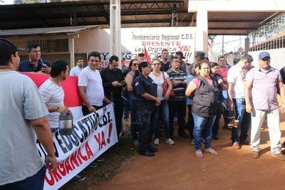Guardiacárceles se manifiestan en Ciudad del Este