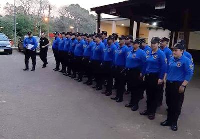 Desde hoy, agentes de tránsito de CDE con uniforme nuevo