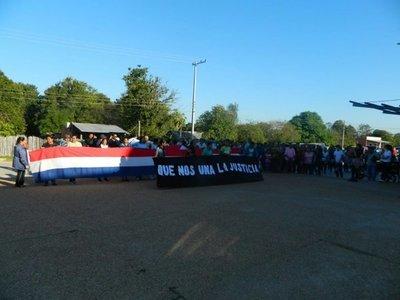 Marchan para exigir mayor seguridad en Puerto Casado