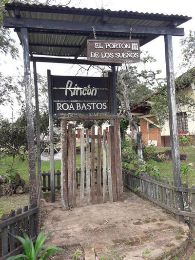 Realizan revisión y registro de la biblioteca «Roa Bastos» en Iturbe