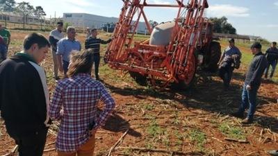 Docentes y alumnos de escuelas agrícolas reciben capacitación