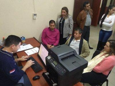 CDE: Intendente denuncia que piden dinero en su nombre a empresarios